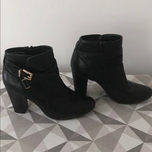 Merona Black Leather Booties Size 7 1/2